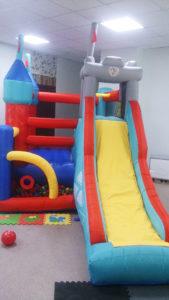 Детский развлекательный центр - батут-замок